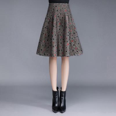 丝柏舍2018冬装新款女时尚高腰印花格子口袋及膝半身裙S84R1082B