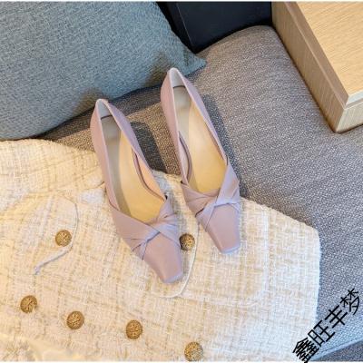 單鞋女2020年夏秋季新款紫色方頭淺口單鞋女細跟中跟鞋通勤女鞋子