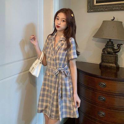 尚谷伊美夏季新款小清新小個子顯高收腰顯瘦西裝領格子氣質短袖連衣裙女裝