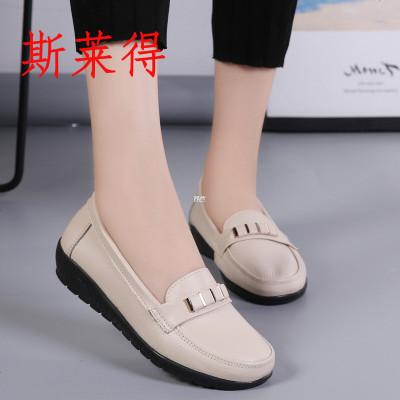斯萊得春季新款真皮中老年媽媽鞋女單鞋豆豆鞋真皮軟底坡跟護士鞋