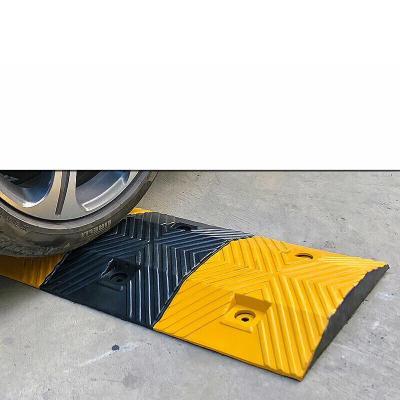 定做定制橡膠減速帶汽車公路馬路道路減速板減速壟加厚緩沖塊交通設施